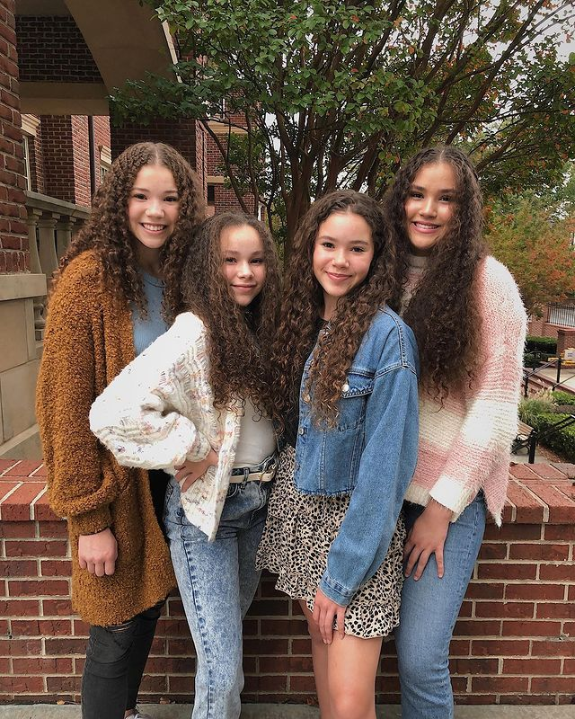 Haschak Sisters Phone Number, House Address, Email, Contact, Wiki